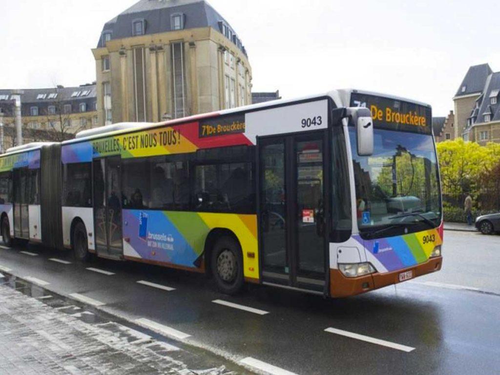 region de Bruxelles bus arc-en-ciel Pride Festival