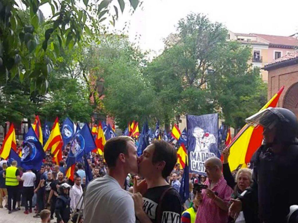 baiser gay Madrid néonazi
