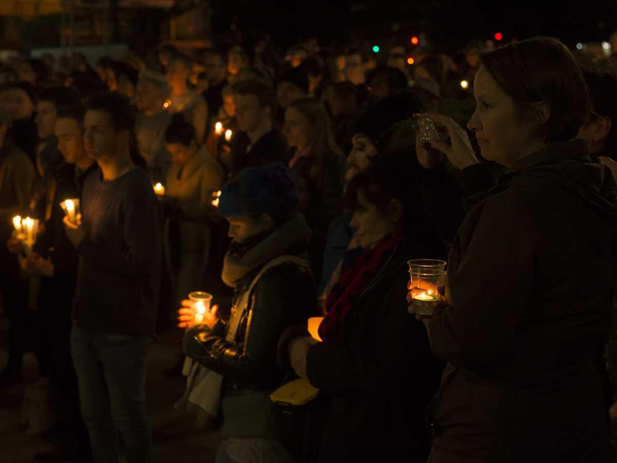 Veillées en hommage aux victimes tuerie d'Orlando
