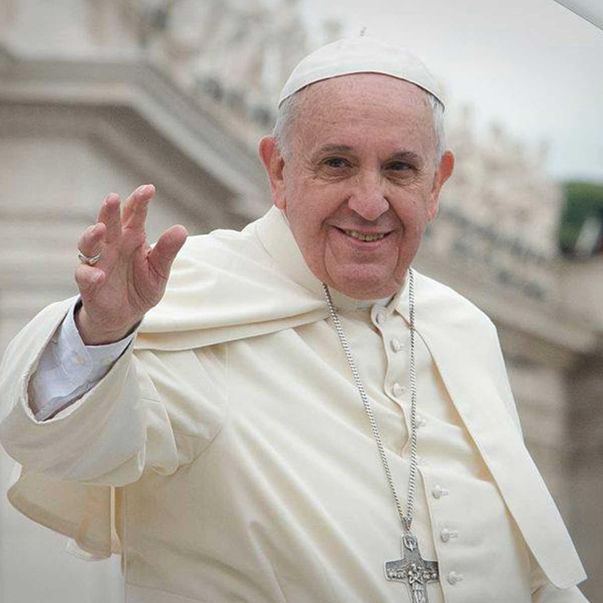 Pape François excuses aux homosexuels