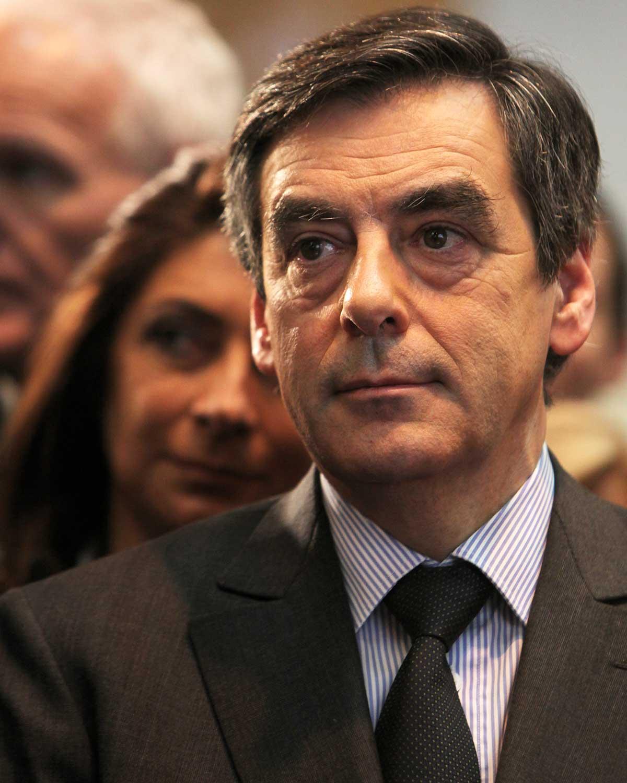 François Fillon veut retirer l'adoption plénière aux couples homosexuels