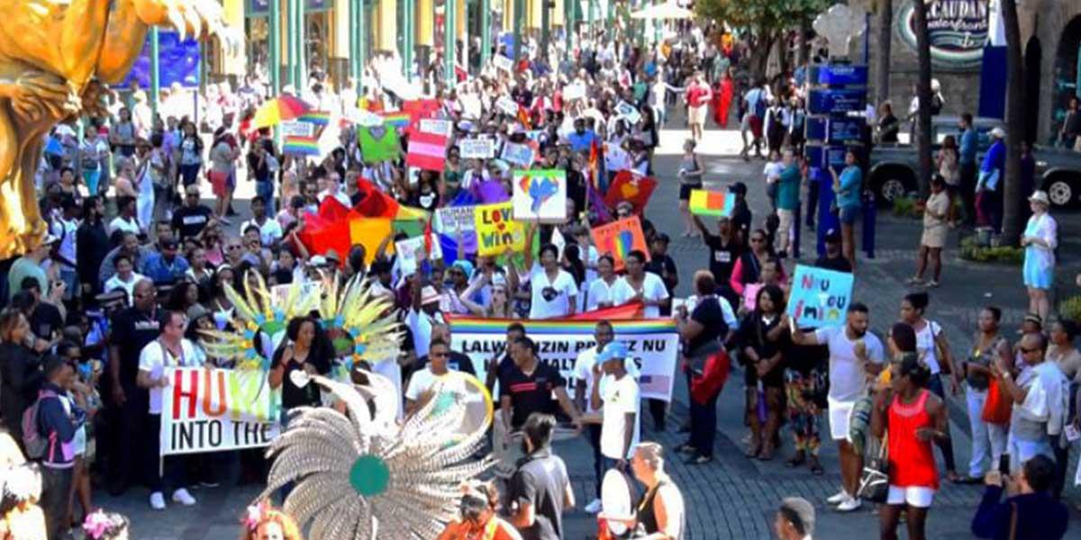 Maurice Marche des fiertés pancartes homophobes
