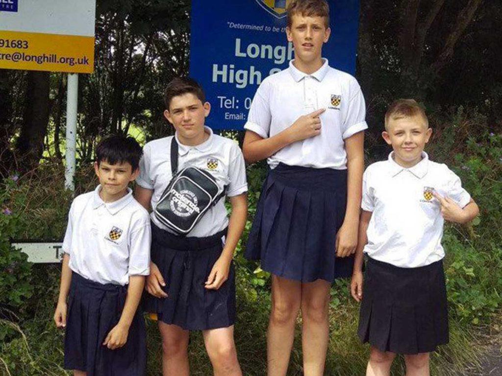 short à l'école en jupe Brighton