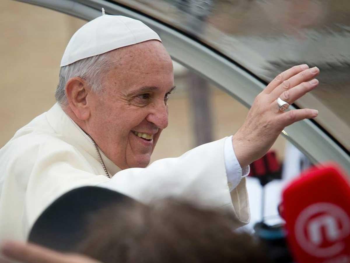 2 000 personnes interpellent le pape François pétition Témoignage Chrétien
