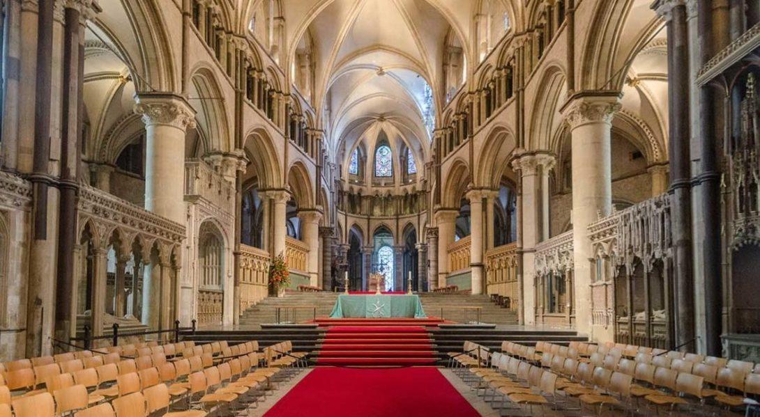Espagne : une église catholique soupçonnée de pratiquer des «thérapies de conversion»