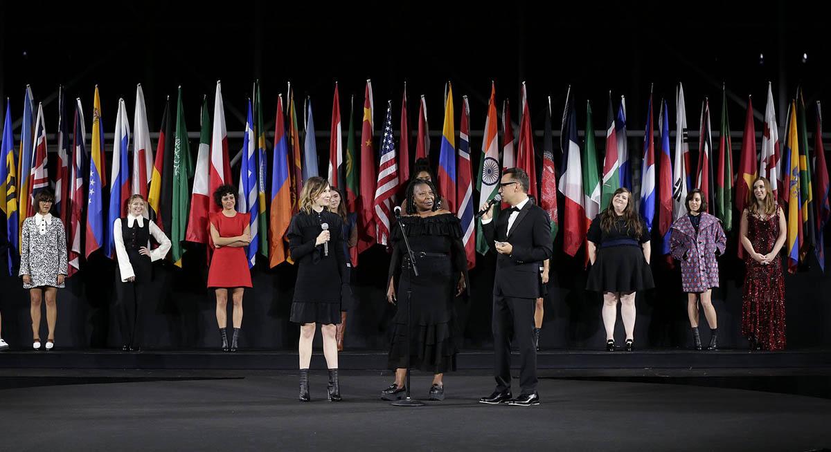 tetu-ofni-whoopi-goldberg-opening-ceremony-ss17-2