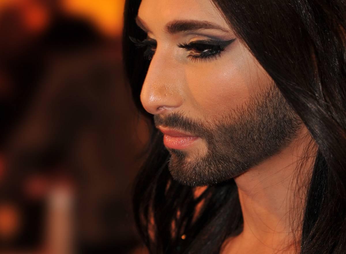 Conchita Wurst Tom Neuwirth femme à barbe