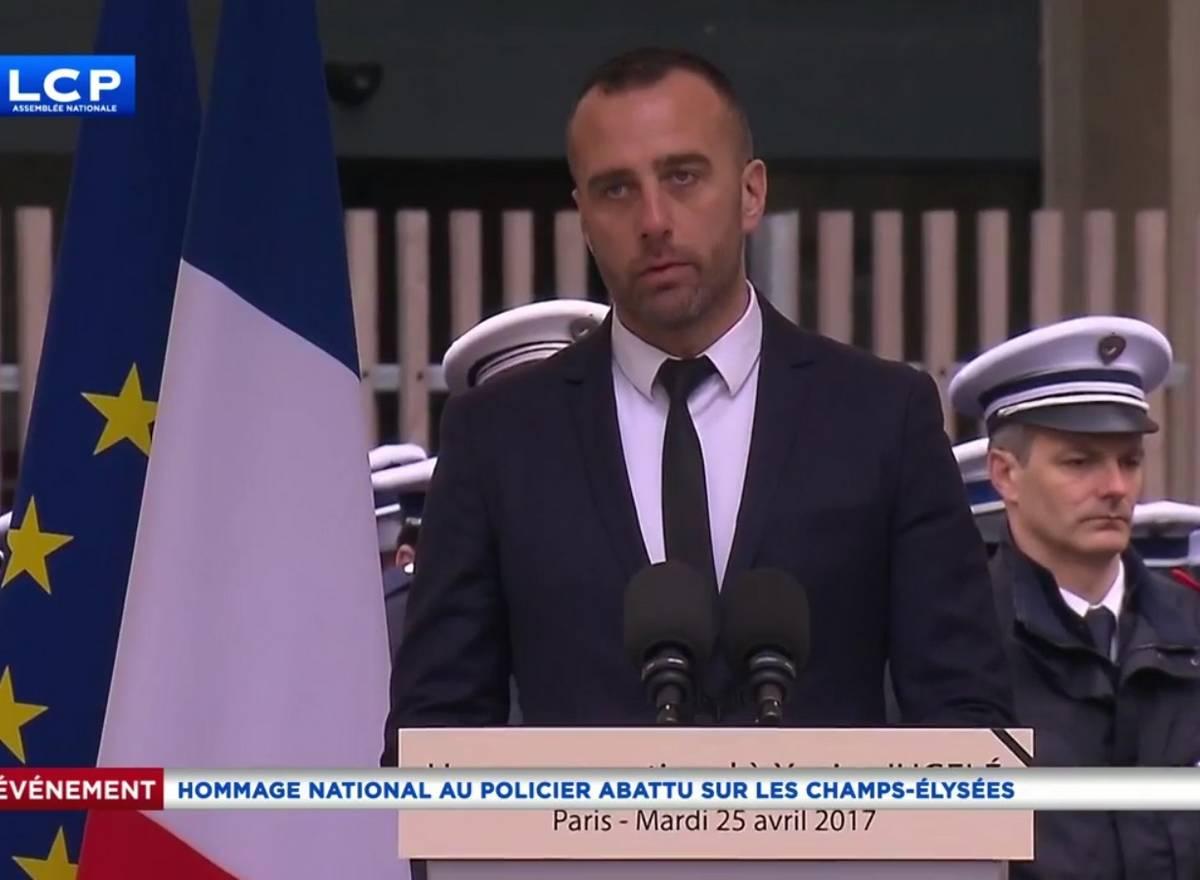 hommage national Xavier Jugelé policier tué sur les Champs-Elysees