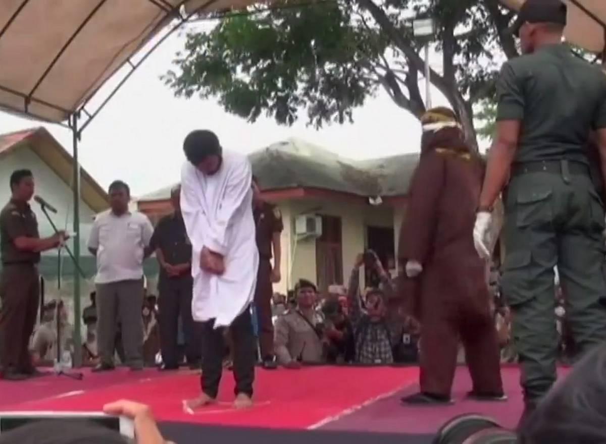 Indonésie coups de bâton