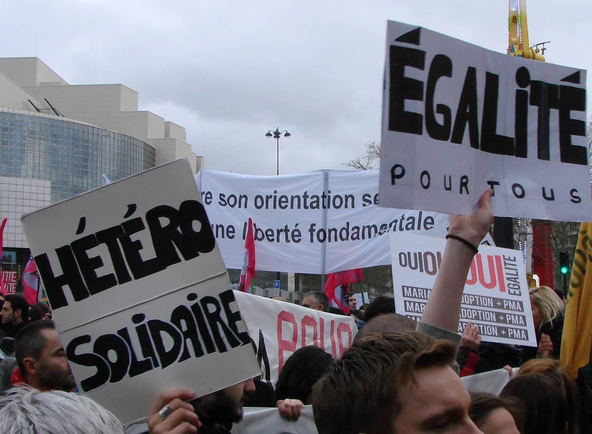 """""""La Croix"""" relance le débat PMA/GPA : l'opinion est moins timorée que le gouvernement"""