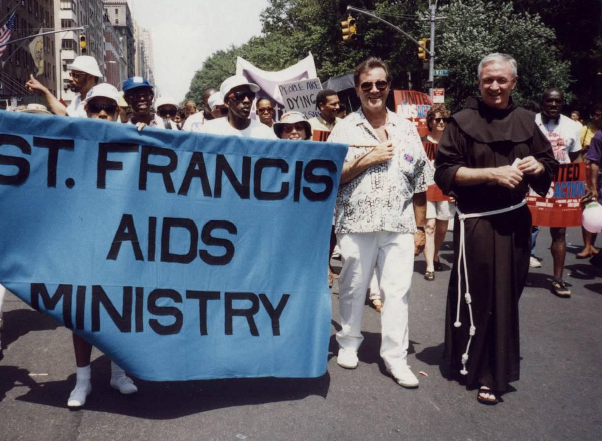 Mychal Judge premier saint homo héros du 11 septembre