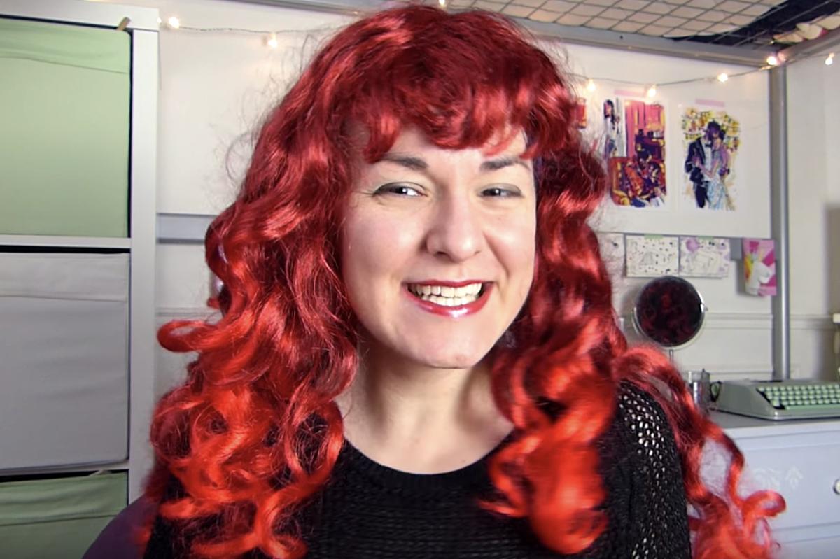 «#LGBTube» : la «booktubeuse» Mx Cordélia nous parle livres, bisexualité et démonétisation (2/3)