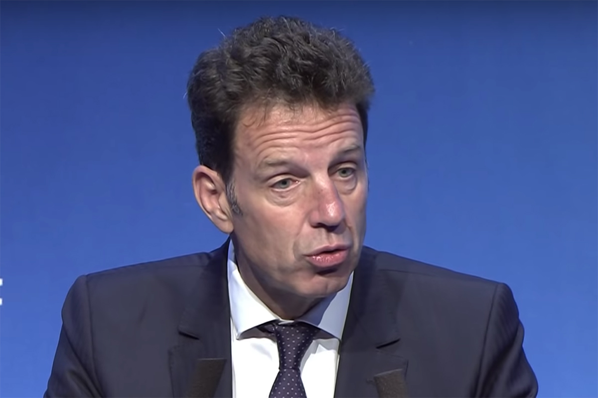 Geoffroy Roux de Bézieux, nouveau patron du Medef et ennemi des droits  LGBT+ - TÊTU