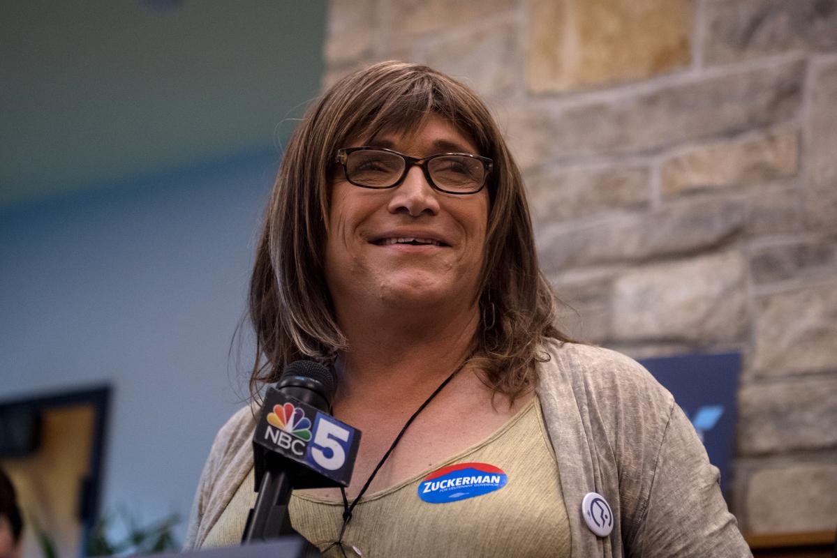États-Unis : Qui est Christine Hallquist, la première femme transgenre en passe d'être élue gouverneure ?