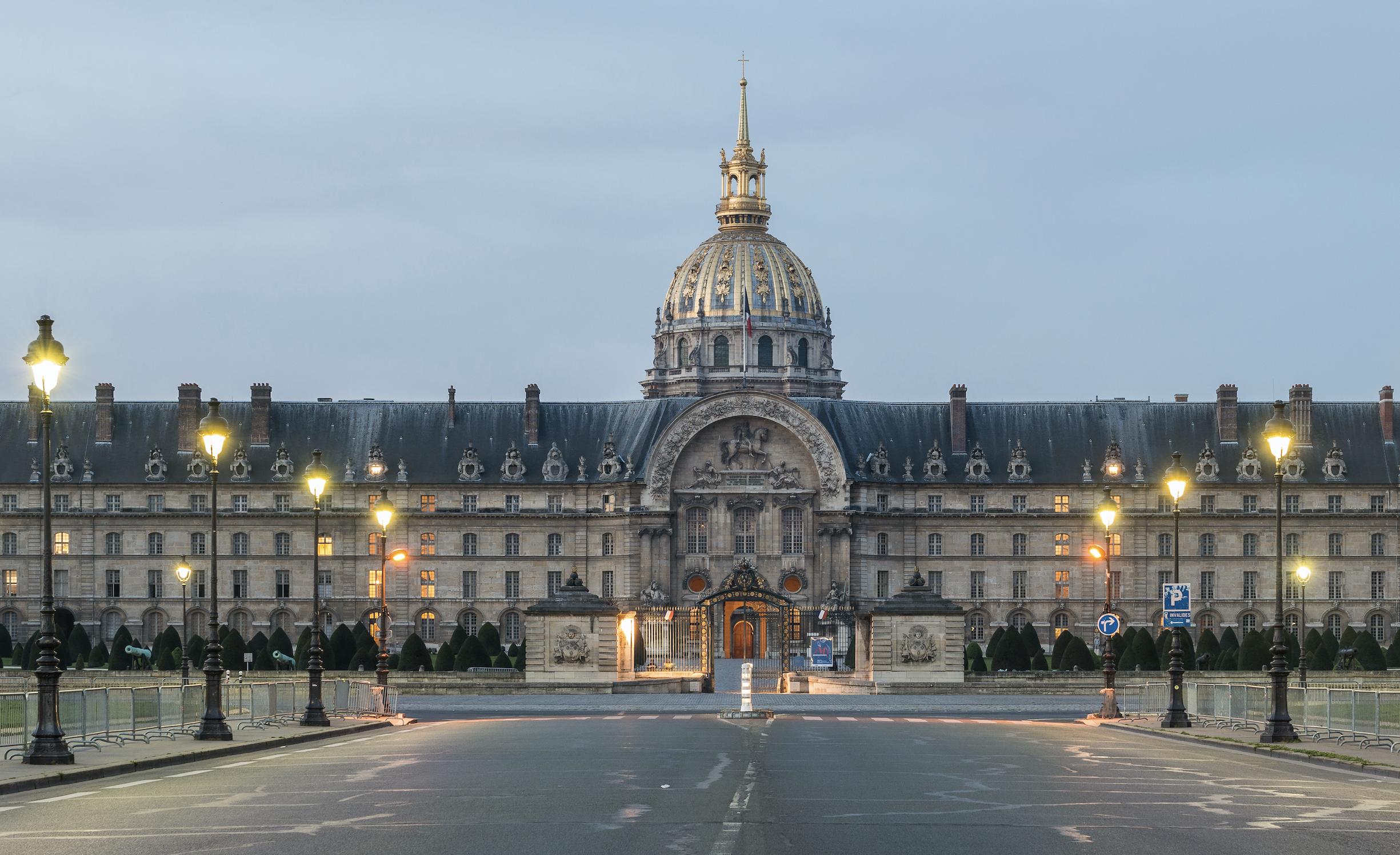 «Il m'a renversé une bouteille dessus» : un chauffeur VTC accusé d'agression homophobe à Paris