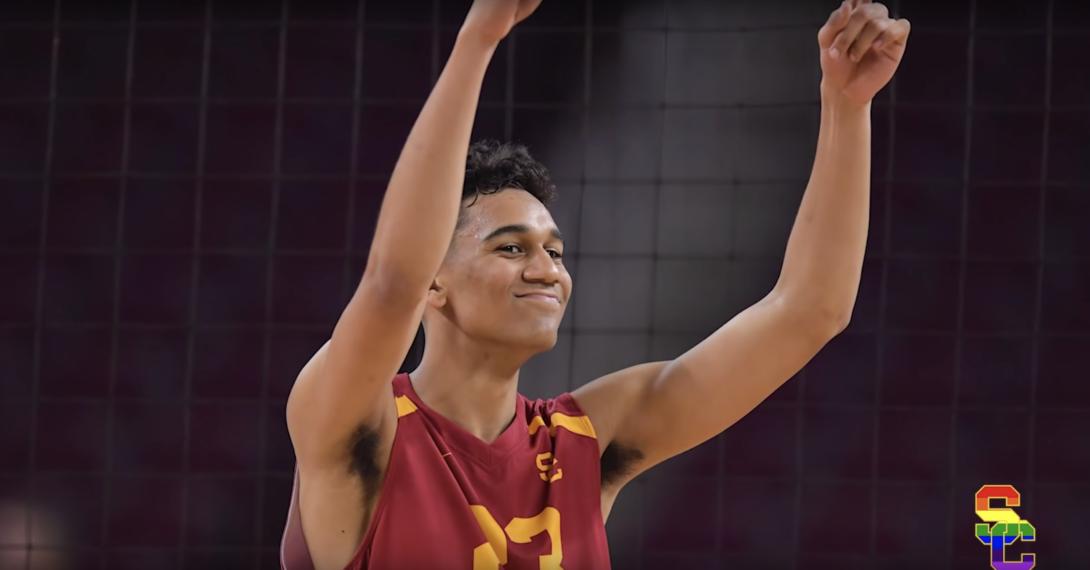 Sam Lewis, joueur de volley-ball, fait son coming-out médiatique dans une vidéo touchante