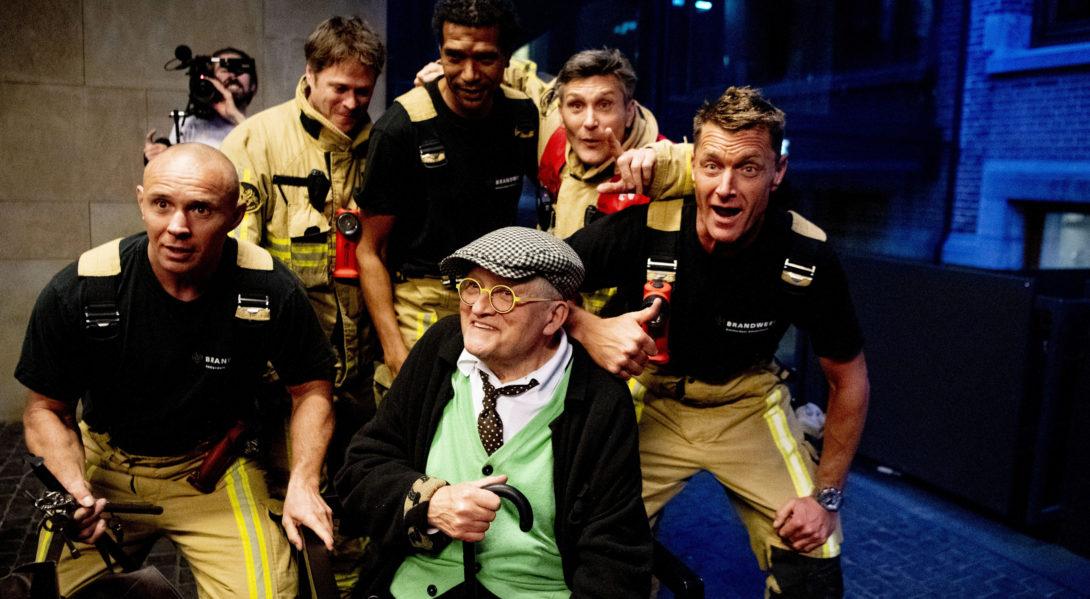 Coincé dans un ascenseur, David Hockney a été libéré par des pompiers