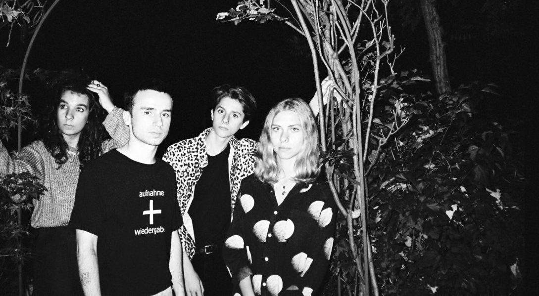 Interview de Sugar Pills, le groupe parisien qui chante l'amour et la jeunesse queer