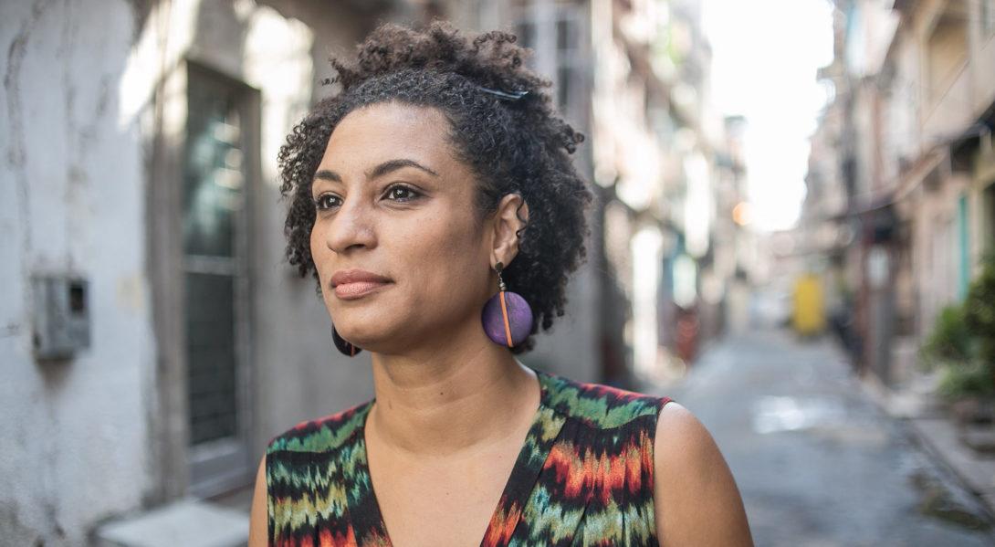 Brésil : deux policiers arrêtés pour l'assassinat de l'élue noire et bisexuelle Marielle Franco