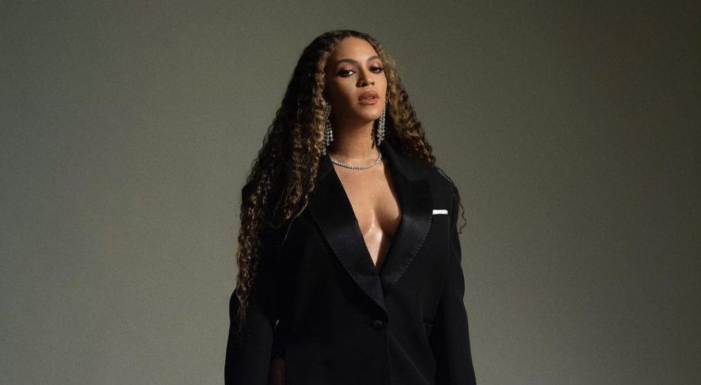 Beyoncé reçoit, avec son mari Jay-Z, le Vanguard Award, le prix qui récompense les allié·es de la visibilité LGBTQ, décerné par l'ONG GLAAD le 28 mars 2019.