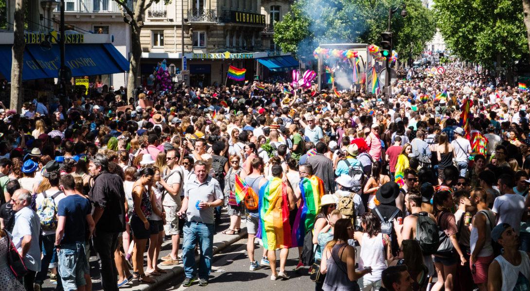 Si vous participez à la gay pride en groupe