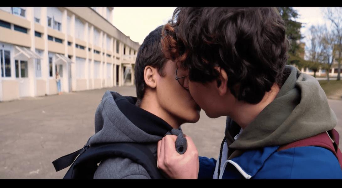 rencontre gay 18 à Laval
