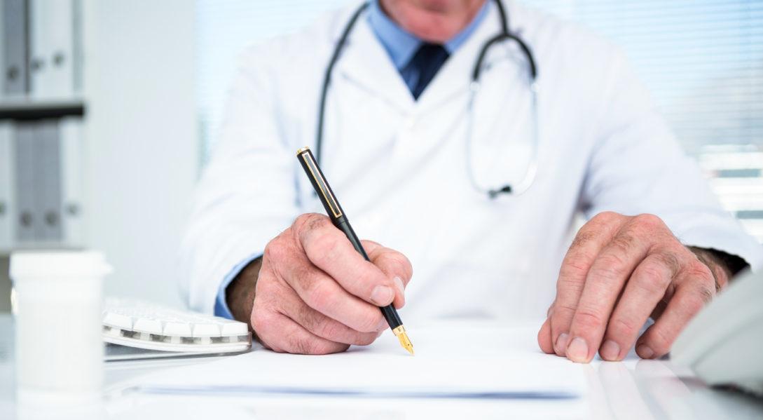 Un Medecin Lorrain Refuse Un Certificat Medical A Un Couple Gay