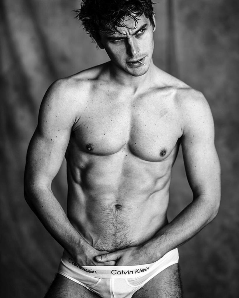 Antoni Porowski