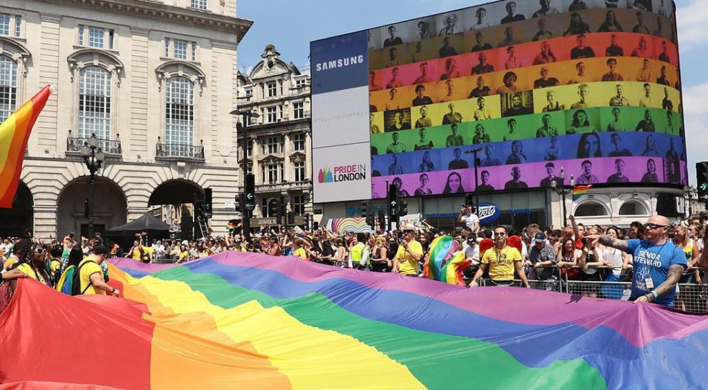 gay pride paris 2021