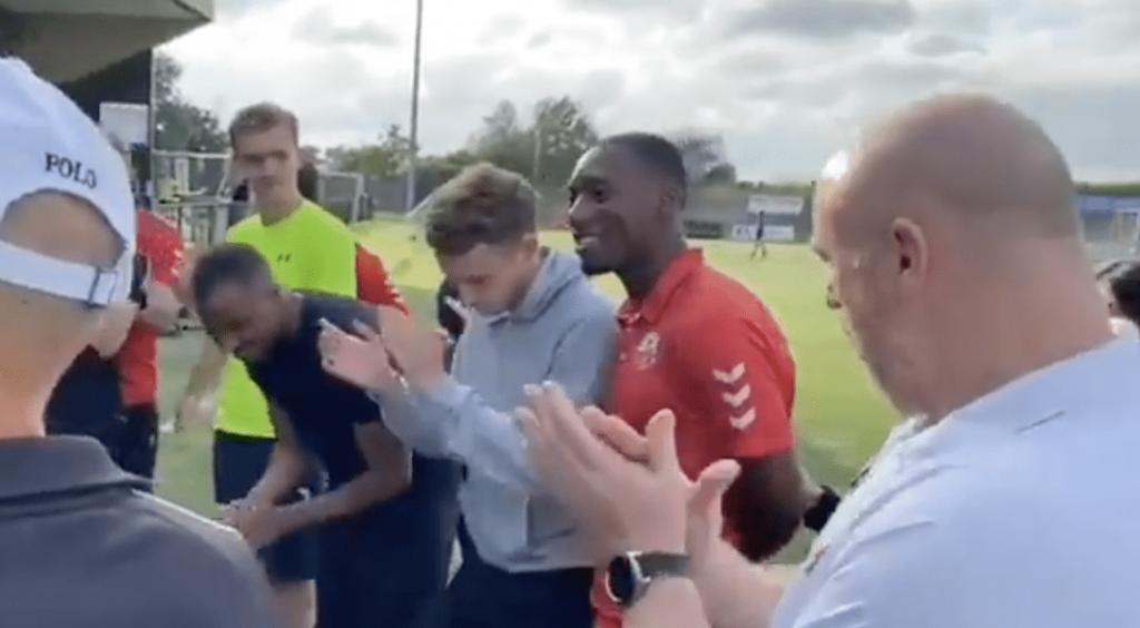 Au Royaume-Uni, le footballeur Jahmal Howlett-Mundle fait son coming out bi