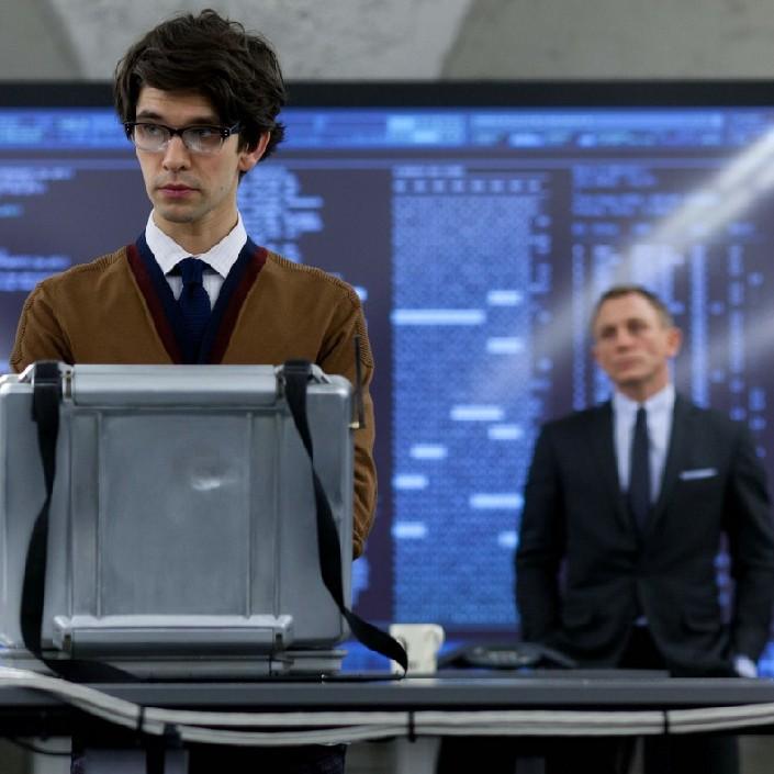 L'acteur britannique gay Ben Whishaw interprète Q dans James Bond