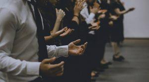 Thérapies de conversion : Marlène Schiappa demande un rapport au gendarme des sectes